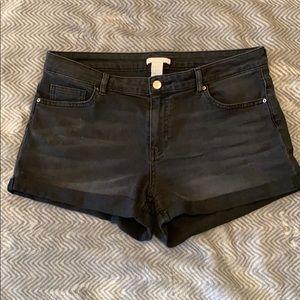 H & M Black Shorts